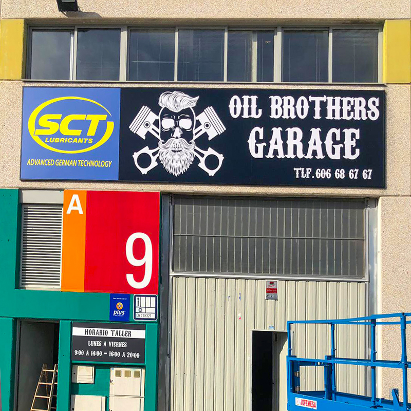 Rotulación para taller de reparación de automóviles Oil Brothers Garage