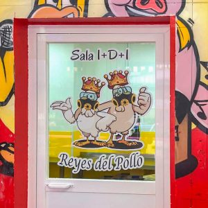 Vinilo para Cristal de Puerta Los Reyes del Pollo
